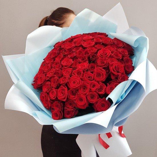 «101 красная роза 55 см»