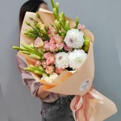 «Букет сезонных цветов»