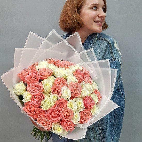 «51 роза микс 55 см»